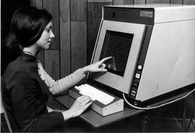 PLATO IV, el primer ordenador con interfaz táctil